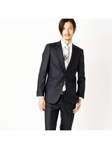 すっきりとした細身シルエットのスーツ スーツ セットアップ