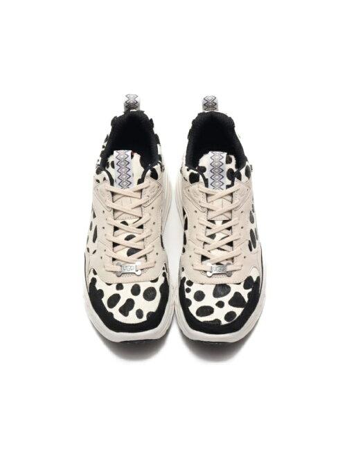 UGG CA805 Dalmatian