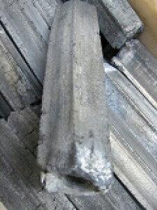 こがねオガ備長炭10kgx9−−90kgセット販売で、焼き鳥焼肉炭焼き料理、硬質白炭火持ちは良く4〜5時間のバーベキューでは炭の継ぎ足しは必要ありません。また灰に埋めると12時間以上も燃焼