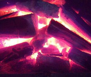 火持ちも良いイタヤ木炭