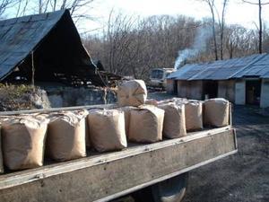 木炭の粉・粉炭60リットル