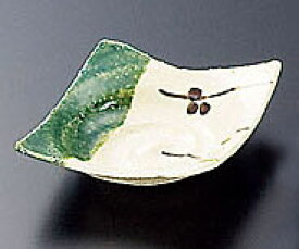 青織部角手造り小皿