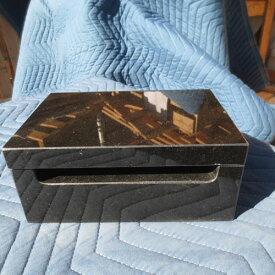 低い 小さい 軽い 横置き 横型 線香立て 香炉 寝かせる香炉 インド黒御影石 線香立て 幅21cm 奥行き14cm 高さ9cm 重さ5.6kg 網付き 送料込み