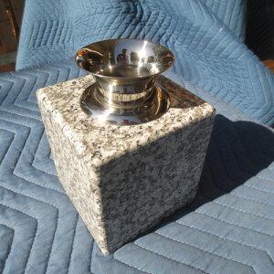 墓石 花立1個 花瓶 御影石 ステンレス 花筒 ペット墓にも 工事不要 置くだけ G623みかげ石 送料無料!