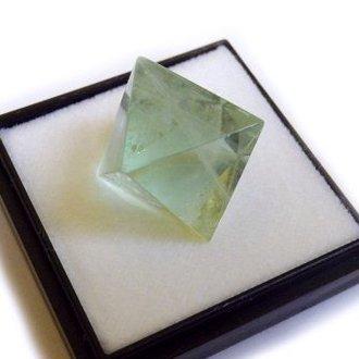 鉱物標本 八面体蛍石 Mサイズ(ほたるいし、ケイセキ、螢石、fluorite、フローライト)