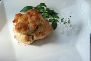 クルミ・アップル・ジャーマンドッグ・あん・クリームパン5種【味わいセット】1セットでお願いします。