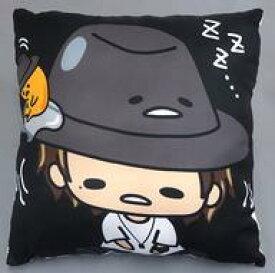 【中古】クッション・抱き枕・本体(男性) 赤西仁×ぐでたま 背当てクッション 「Jin×Gudetama」 しまむら限定