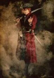 【中古】生写真(男性)/俳優 小澤廉(イッキ)/全身・衣装赤・右手刀・左手上げ・帽子・背景黒・キャラクターショット/舞台「劇団シャイニング from うたの☆プリンスさまっ♪『Pirates of the Frontier』」トレーディングブロマイド 【タイムセール】