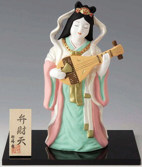 祝你好運和幸福的使者! 它是陶瓷哈哈門 shichifukujin 弁,弁超大飾品和樹給出了。  Q 邀請福好運氣吉祥物旺雅娃娃 bennzaitenn 途中 SAMA 窪室內瓷俑神雕像神娃娃小有錢的女孩日本傳統工藝品商店嗎?