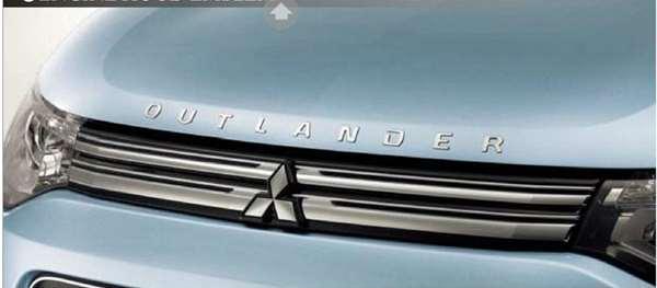 『アウトランダー』 純正 GG2W エンジンフードエンブレム パーツ 三菱純正部品 ドレスアップ ワンポイント outlander オプション アクセサリー 用品