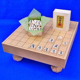 木製将棋セット 新桂2寸ハギ足付将棋盤セット(将棋駒樺材優良押し駒)
