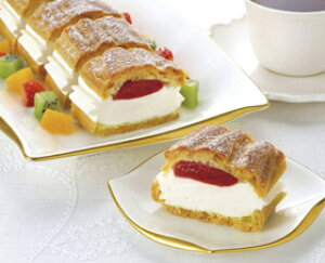 フリーカットケーキシュークリーム (いちご) 335g (カットなし) 12212(バイキング パーティー 業務用 ケーキ 洋菓子 スイーツ デザート)