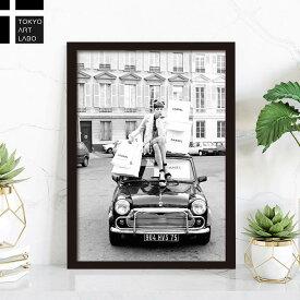 額入り アートパネル With car モノクロ ハイブランド ポスター Fashion Photography series パリで買い物 ココ シャネル ショッピングガール 壁掛け 写真アート