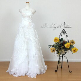 【新商品】ウェディングドレス 9号11号 オフホワイト スレンダーラインでスタイル良く 大人 ロングドレス ティアードスカート肩ひも付き 演奏会用ドレス 発表会 背中編み上げ Aライン 90962
