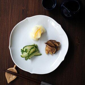 中皿 19cm 輪花型 白 和食器プレート おしゃれ 和食器 お皿 皿 食器 中皿 取り皿 ケーキ皿 サラダ皿 デザートプレート パン皿 前菜皿 シンプル 白い食器 稜花皿 パーティー食器 来客用 おもて