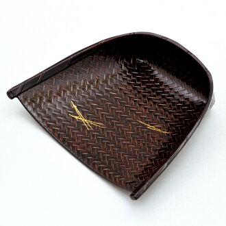 蓑菓子器松葉蒔絵