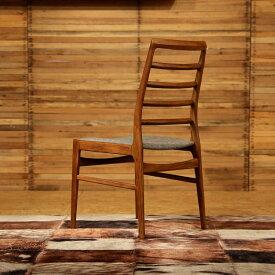 商品名  FORMA フォーマ ダイニングチェアカラー  チーク レッドブラウン色サイズ  幅 56 奥行45 高さ91(座面45)cm北欧テイスト ウレタン塗装 おしゃれ 椅子 ダイニング用食卓用 ミッドセンチュリー レトロ ナチュラル 卓椅子 イス