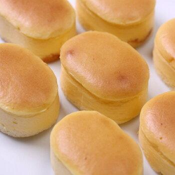 スフレチーズケーキ5個入り濃厚チーズをしっとり仕上げて、口どけなめらか☆半解凍で食べると、ひんやりとしっとりが絶妙においしい♪