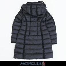 MONCLER(モンクレール)フード付ダウンコート