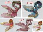 大人気肌触りふんわり柔らか薄手スカーフ【全25色】レディース90角スカーフシルクロードの起点【西安】からの贈り物◆美品激安◆中国雑貨