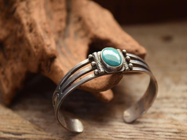 Vintage Indian Jewelry インゴット シルバー Arrow Stamp バングル(Early Fred Harvey era)
