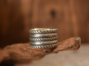 Indian Jewelry クリーク族 ジェシー ロビンズ(Jesse Robbins) コインシルバー トリプルロープ リング(22号) 3rope
