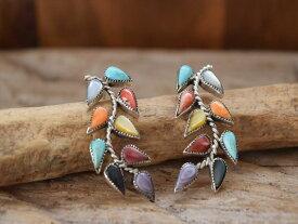 Indian Jewelry ズニ族 フィリス コーンシス(Phyllis Coonsis) マルチカラー インレイ ポスト ピアス