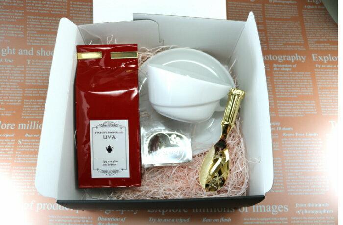 ティーカップと紅茶(リーフ)セット【送料無料 紅茶 クリスマス プレゼント ホワイトデー 母の日 ギフト 祝い 誕生日 コップ 茶 白 磁器 陶器 茶葉 贈り物 セット あす楽 スプーン ティーサーバー ティーストレーナー】
