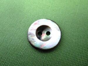 黒蝶貝 2つ穴ボタン S3125 18mm 1個