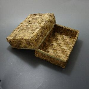 竹皮容器 TYO-18H / サイズ約195×135×高さ50ミリ/ 天然竹皮を細くカットし編んで作った弁当容器/昔懐かしい雰囲気が特徴/ロングセラー商品/お弁当、おにぎり、和菓子用に