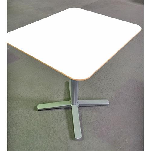 【中古】洋テーブル白 IKEA 幅700×奥行600×高さ740 【送料別途見積】【業務用】
