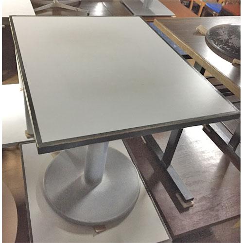 【中古】テーブル スチール脚 白メラミン天板 幅750×奥行600×高さ730 【送料別途見積】【業務用】