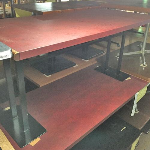 【中古】テーブル スチール脚 メラ天(赤) 幅1500×奥行700×高さ700 【送料別途見積】【業務用】