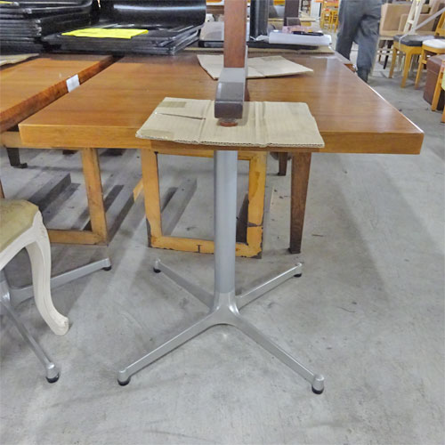【中古】2人用テーブル 濃い木目 幅750×奥行650×高さ730 【送料別途見積】【業務用】
