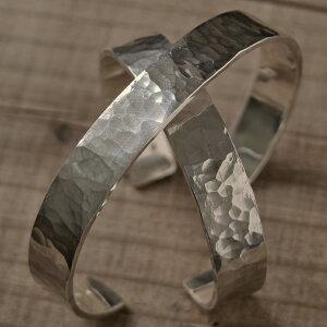 ツチめのバングル(太) ペアバングル ハンドメイド オーダー シルバー 槌目 シンプル 上品 おしゃれ 腕輪 Silver 950 マモる ごつめ ゴツめ 手作り 手づくり