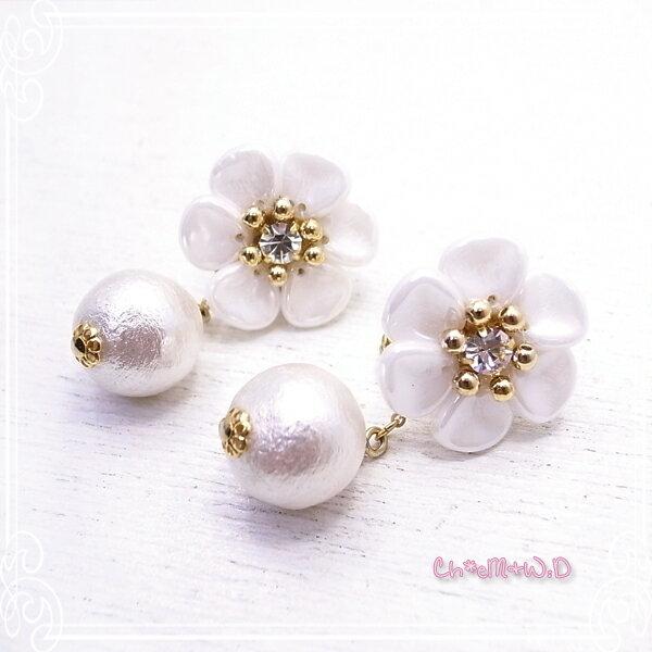 Ch*eM+W:D[チェムダブリュディー] White flower Earring ファッションアクセサリー de-47-ch-e9