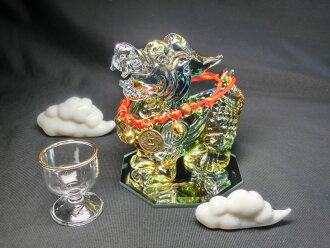 Lapis lazuli color Tzu 貅 (hicuu) hermaphroditic (Crystal glass) & white luck cloud & crystal water glass & octagonal mirror pedestal & cow Bell neck rack set < Feng Shui toy, toy good luck and good luck figurine]
