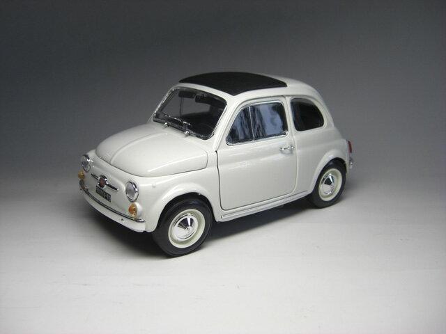 2代目フィアット 500 (1965) 1/18 サイズ(白)【 インテリアカー ・世界の名車シリーズ】 Fiat NUOVA 500
