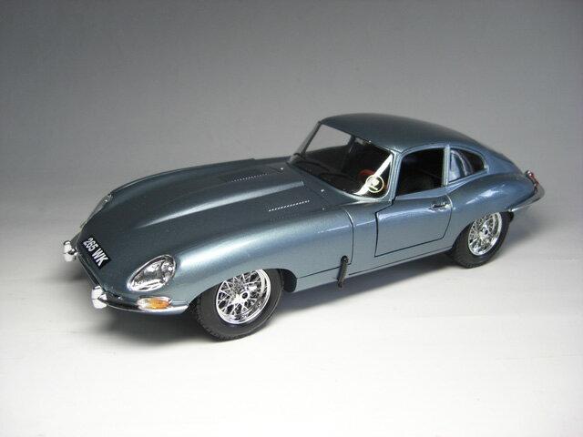 ジャガーEタイプ シリーズ1 クーペ (1961) 1/18 サイズ【 インテリアカー ・世界の名車シリーズ】 Jaguar E-type