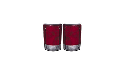 Evan-Fischer EVA15672055391 Tail Light for Ford Econoline Van 95-03 RH and LH インクルード レンズ and ハウジング Left Right Replaces Partslink# FO2800114, FO2801114 (海外取寄せ品)