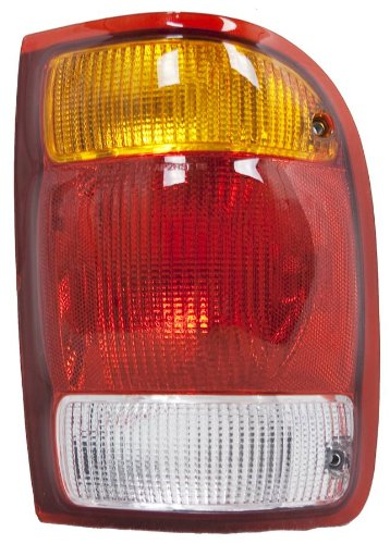 OE リプレイスメント Ford レンジャー Passenger Side Taillight Assembly (Partslink ナンバー FO2801121) (海外取寄せ品)