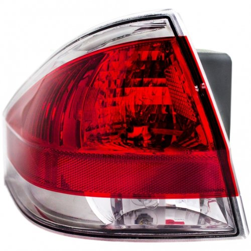 OE リプレイスメント Ford フォーカス ドライバー Side Taillight Assembly (Partslink ナンバー FO2800218) (海外取寄せ品)