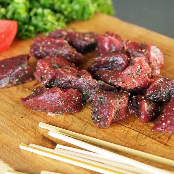 竹串付き味付けダチョウ肉キューブ 150g(肉串、ケバブ)(駝鳥串焼き)オーストリッチ串焼き-D016