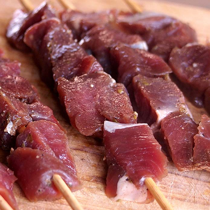 (GW中も発送) 竹串付ヤギ肉のキューブ 竹串10本付