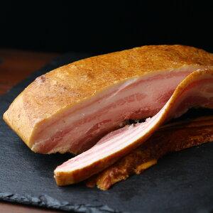 乾塩式 ベーコン ブロック 国産豚 バラ肉 使用 650-700g 桜チップスモークベーコン スモーク ベーコン お中元 お歳暮 内祝ギフトに | Dry Cured Smoked Bacon Block | SKU-826