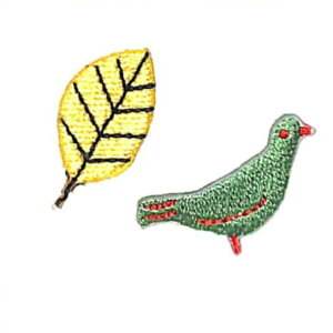 TOCONUTS トコナッツ シール ・ ワッペンステッカー300eK グリーンの鳥 イエローの葉っぱ シール帳 刺繍 アップリケ ワッペン 福袋 丸 おしゃれ デコレーション ハート スマホ ステッカー 花 か