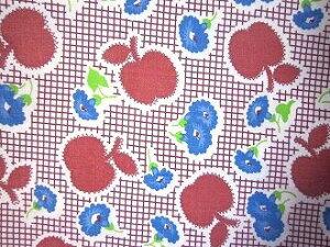 フィードサック  赤ギンガムにアップルと青いお花 (1/16サイズ)