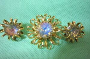 サラコベントリー Mystic Blue 美しいオーロラ乳白色 ミスティックブルー リボリオパールクリスタルラインストーン ブローチとイヤリング