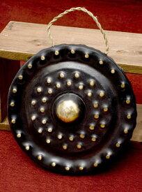 【送料無料】 ベトナムのゴング(銅鑼)24cm / ドラ 鐘 ベル 民族楽器 インド楽器 エスニック楽器 ヒーリング楽器
