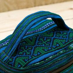 モン族刺繍のメイクボックス / 弁当 財布 小物入れ 民族柄 ポシェット ポーチ アジアン バッグ レディース エスニック インド